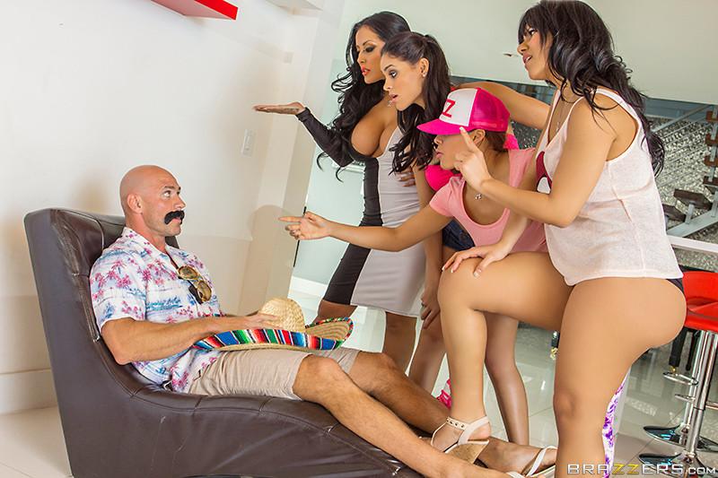 Горячие мексиканские девушки хотят огромный член в свои бритые пезды и получают его