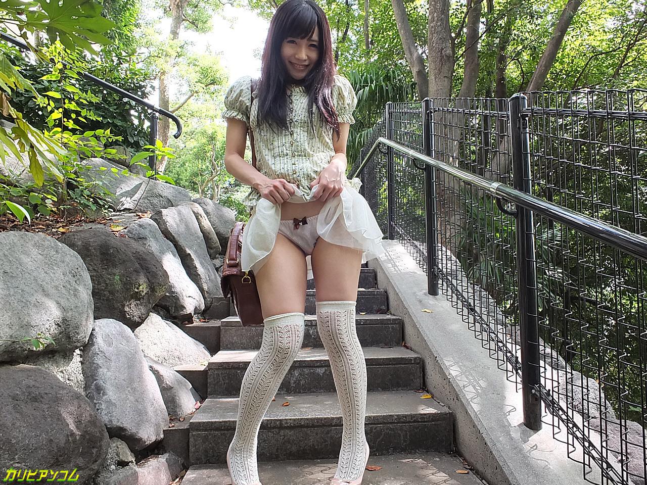 Прекрасная японская девушка занимается анальным сексом с молодым перцем
