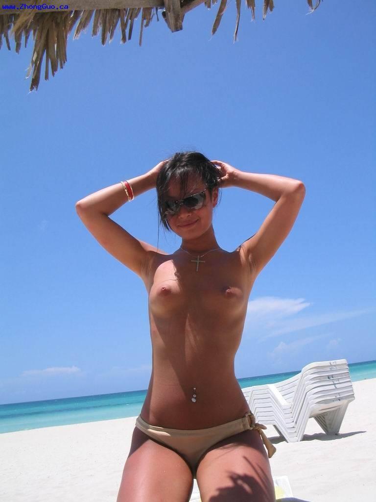Знаменитая модель с Азии сделала хорошие фото со своего отдыха
