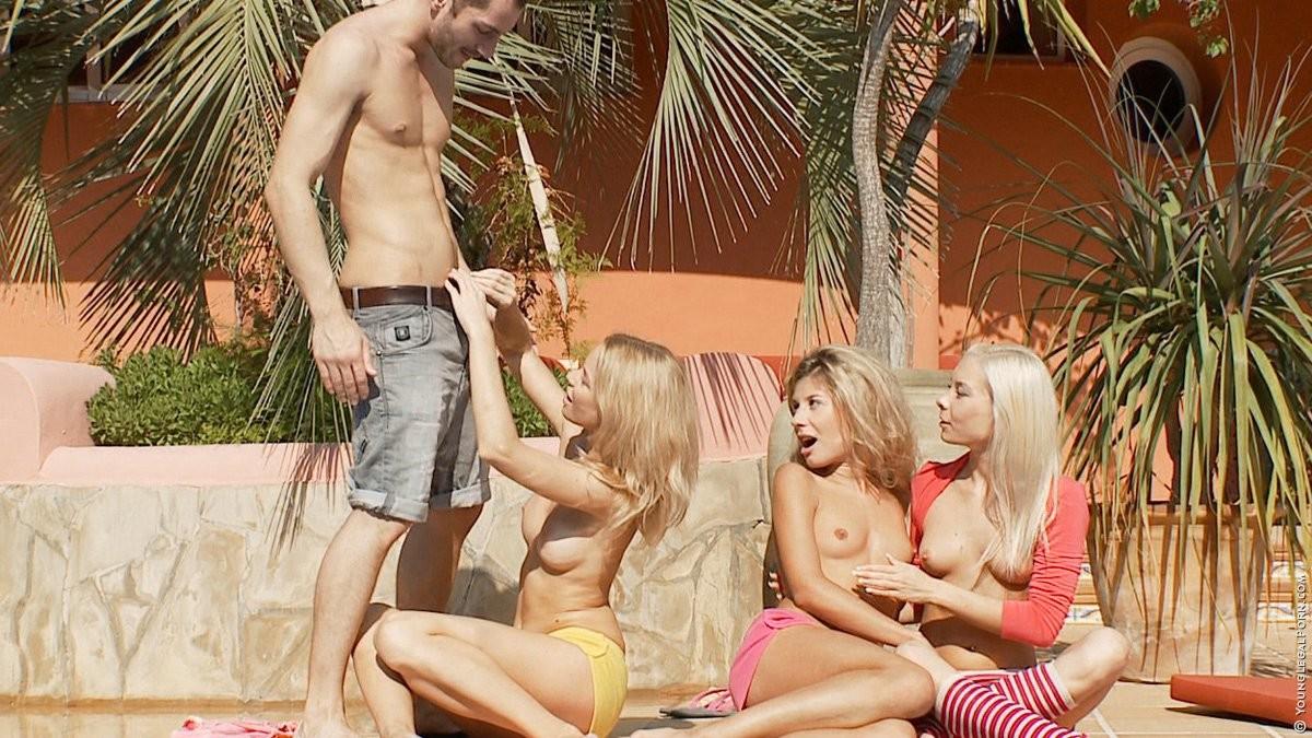 Стефани, Элис и Надин подставляют свои шикарные попки для хорошего секса