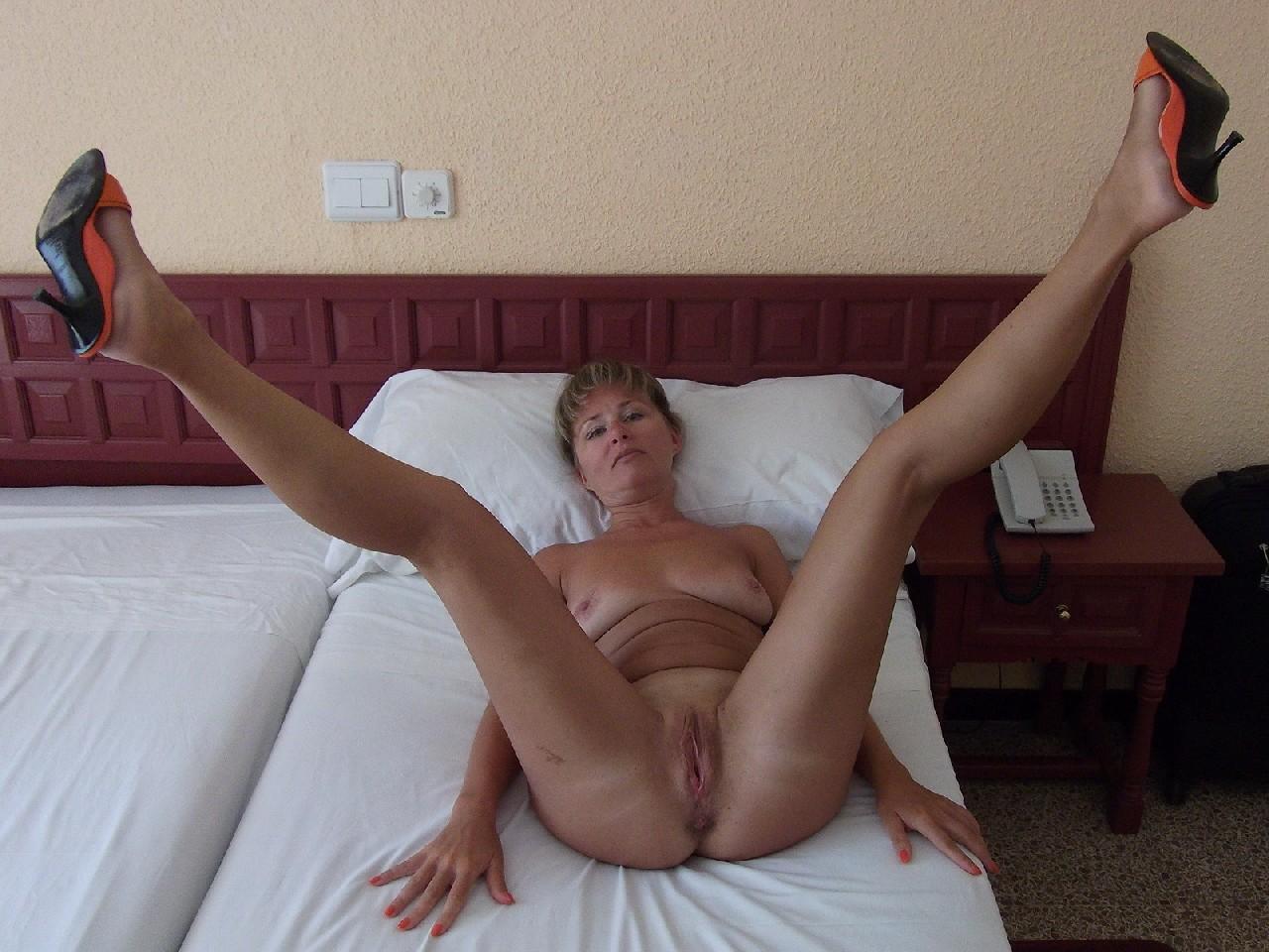 Онлайн гола зріла фото порно онлайн бригитта