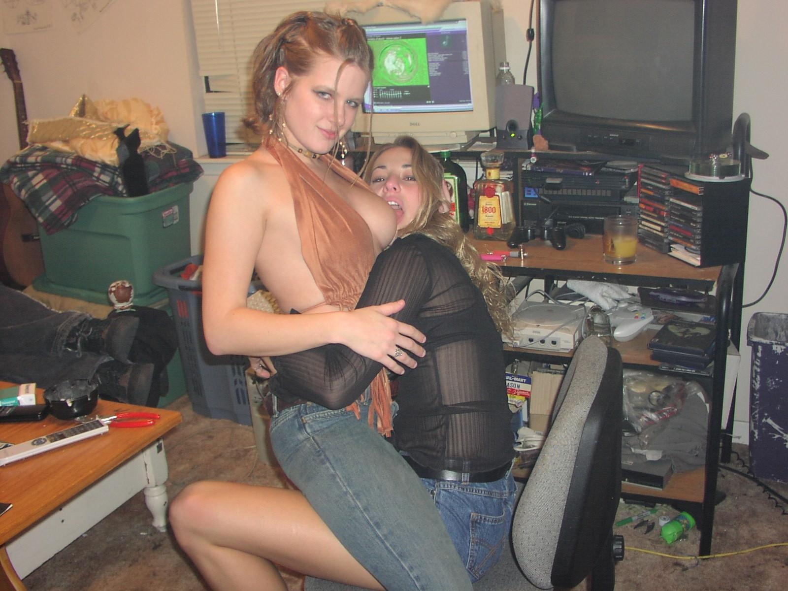Развратные голые девицы в красивой подборке качественных фото