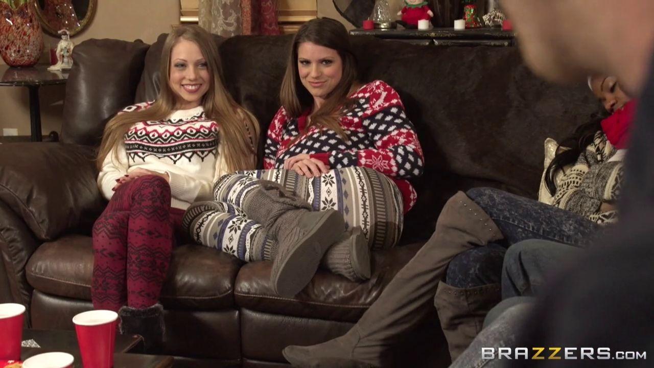 Шайна Лени и Бруклин Чейс в теплых свитерах готовят на кухне, а затем направляются в комнату к мужчине