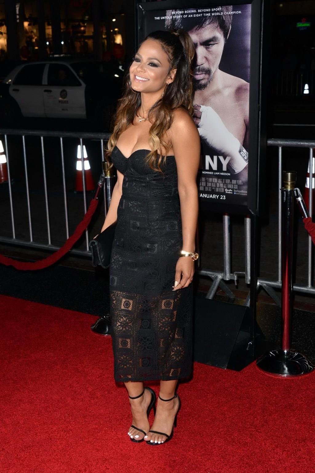 Знаменитая актриса Кристина славится своей красивой большой грудью