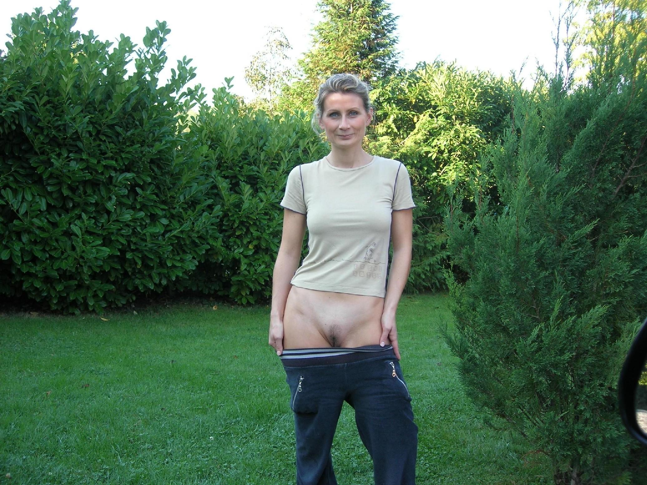 Частное фото женщина в штанах, Голые девушки со спущенными штанами Фото голых 13 фотография