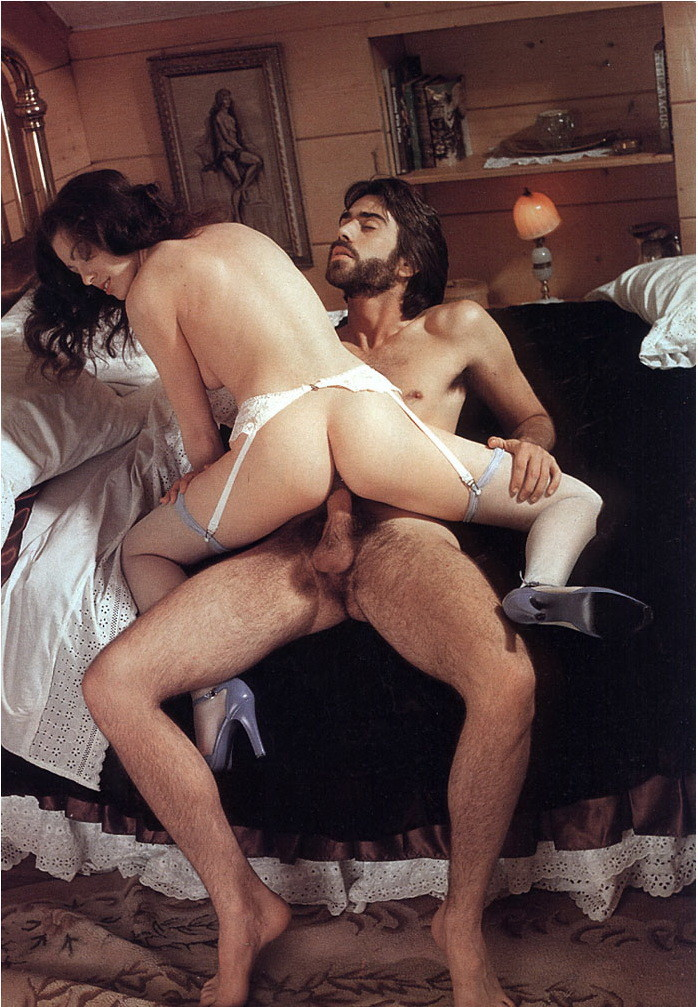 Некоторым нравится винтажное порно – специально для таких любителей и создана галерея с Аннеттой Хэйвен
