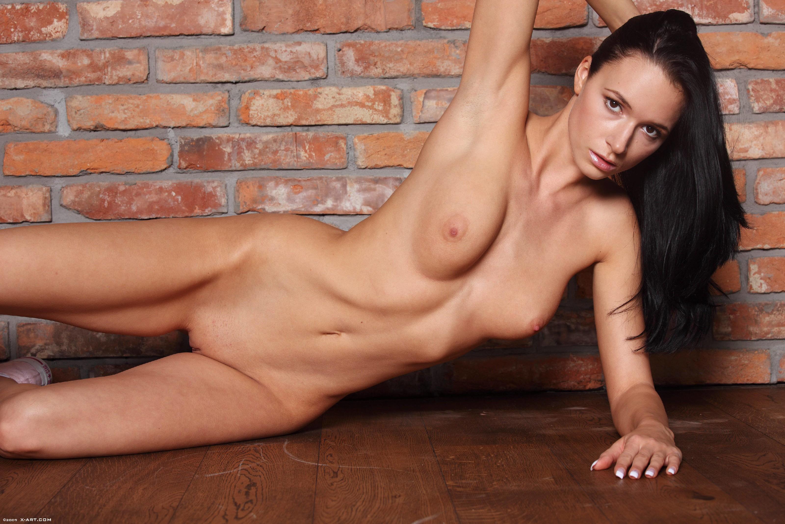 Подборка фото красивых обнаженных девушек которые хвастают своим телом