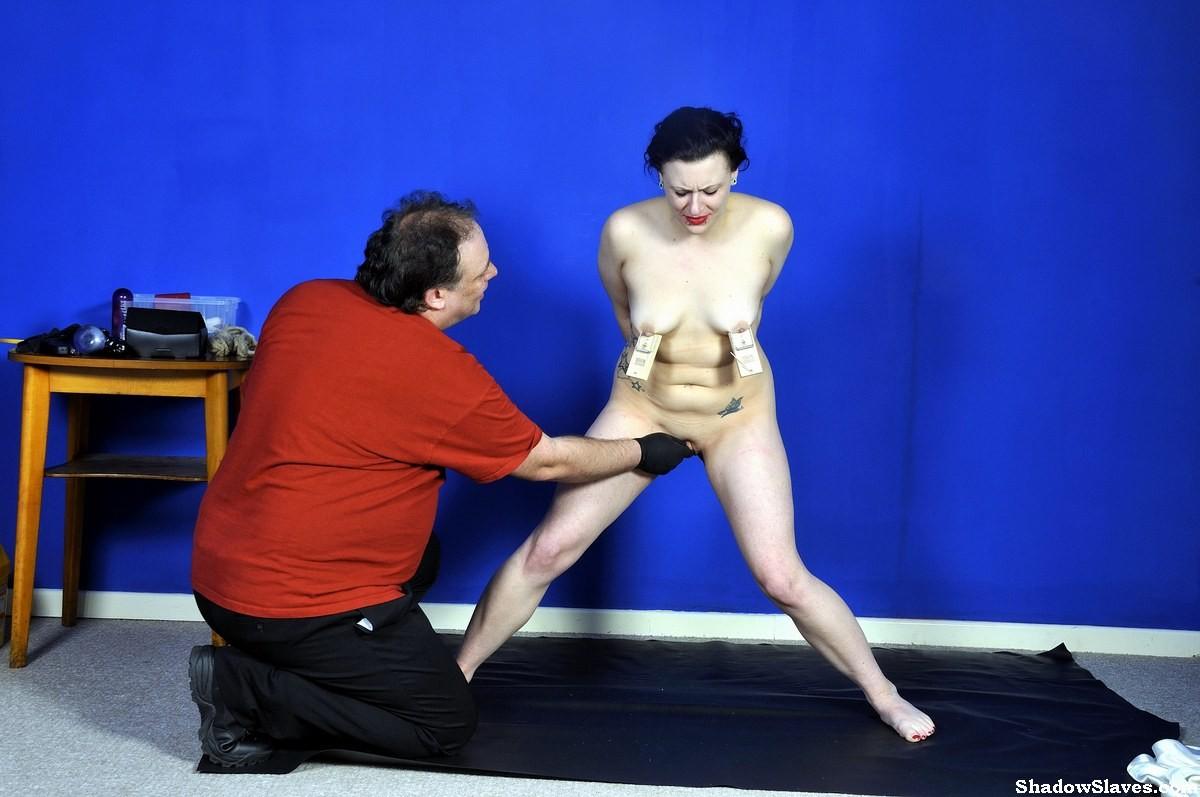 Зрелая женщина позволяет испытывать себя на прочность взрослому мужику – им обоим хорошо от экспериментов