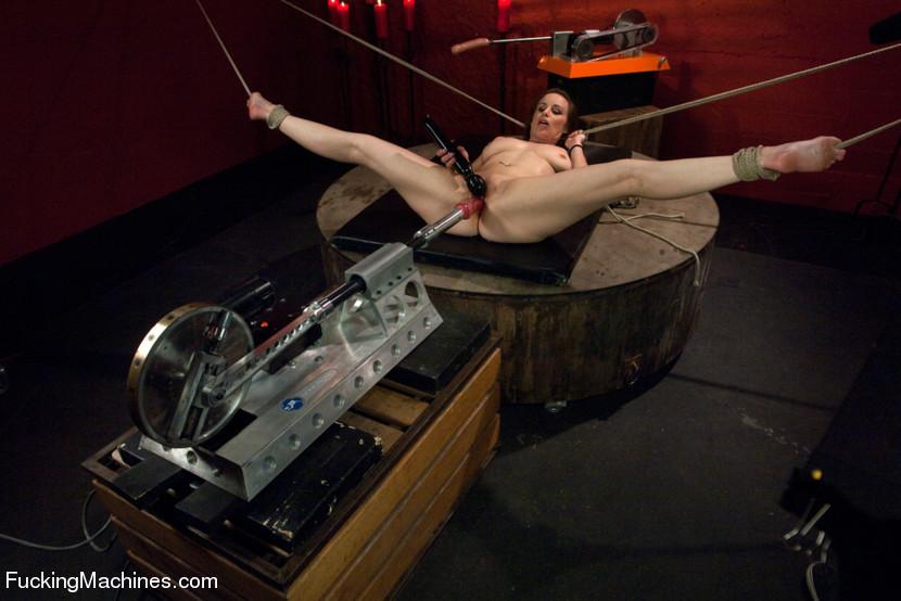 porno-s-mehanicheskie-masturbatori-cherta