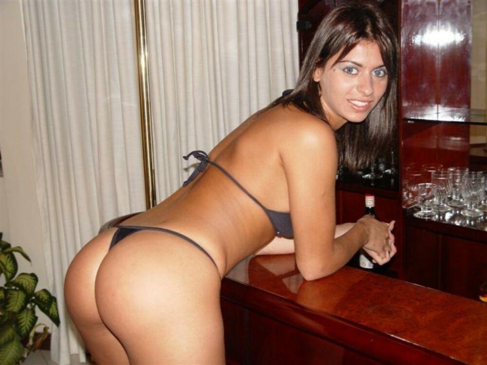 Сексуальные латинки с удовольствием фотографируются, но иногда пикантные кадры попадают в сеть