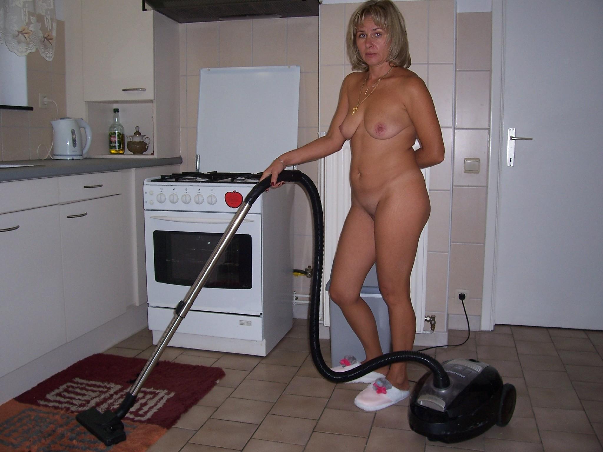 Фото голых домохозяек частное, Частные порно фото - Отчаянные домохозяйки 12 фотография