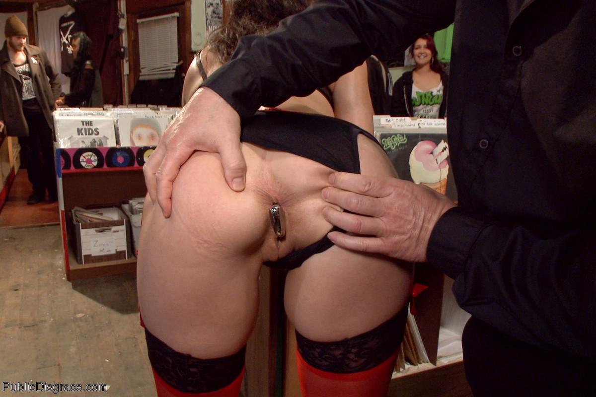 Венона и Джон Стронг на публике показывают, как можно получить удовольствие от разных действий