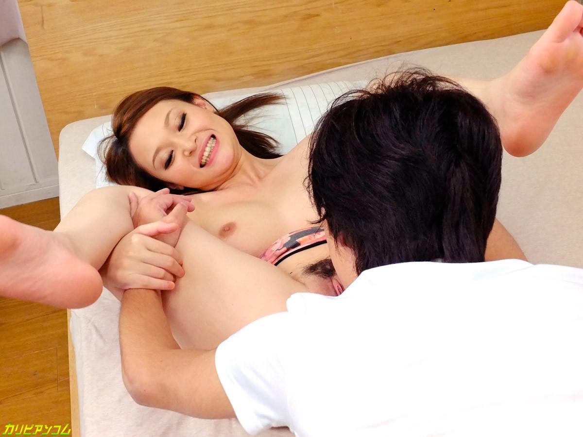 Сексуальная Наоми поздравила парня с добрым утром сладким минетом