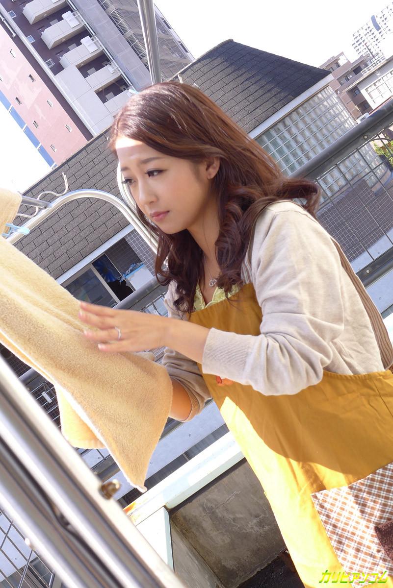 Японская модель после долгой мастурбации занимается сексом