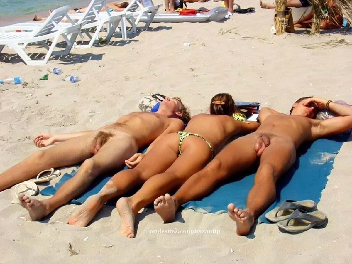 Фотографии красивых сексуальных девушек и их друзей, не стесняющихся своих тел