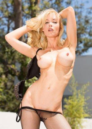 Анальный секс с блондинкой среднего возраста - фото 3