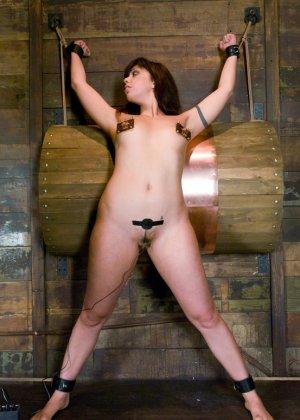 Sasha Grey, Satine Phoenix - Галерея 3346113 - фото 7