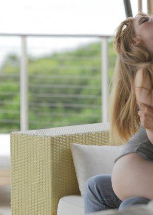 Трах рыжей девушки с большими сиськами - фото 5