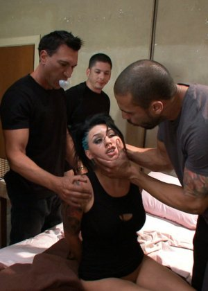 Eva Angelina, James Deen, Marco Banderas, Karlo Karrera, Alex Gonz, Ryan Driller, Tony Martinez - Галерея 3293608