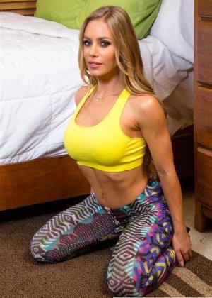 Порно с грудастой Николь Анистон - фото 2