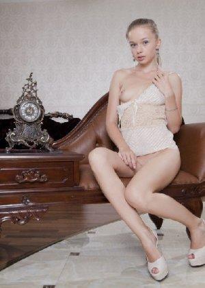 Милена показывает свое обалденное тело, принимая самые откровенные позы - фото 9- фото 9- фото 9