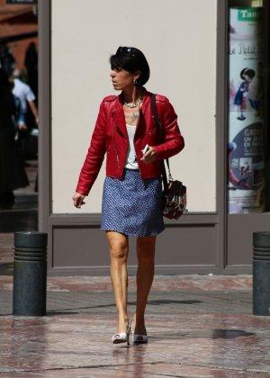 Зрелые женщины показывают, что они следят за модой и знают, как выглядеть эффектно всегда - фото 16