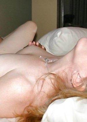 Негры с удовольствием ебут чужих белых женушек, даже при муже - фото 10