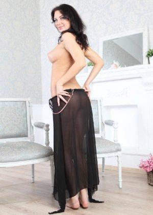 Галина умеючи преподносит свое тело, принимая различные позы - фото 19- фото 19- фото 19