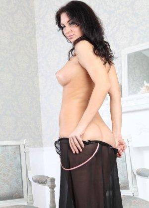 Галина умеючи преподносит свое тело, принимая различные позы - фото 20- фото 20- фото 20