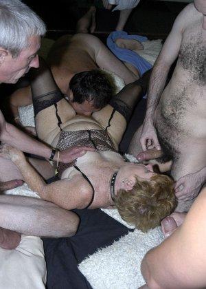 Женушки были оттраханы по полной - фото 6