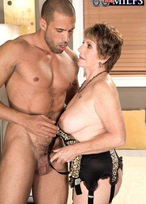 Беа Каммингс любит поскакать верхом на горячем любовнике с твердо стоячим хуем - фото 7