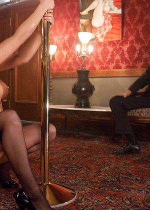 Грудастая Мира Лелани оказывается приобретенной вещью для богатого мужика и старается его удивить - фото 6