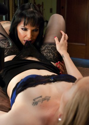 Трейси Свитт думала, что Фокси ее подруга, когда та в тайне была трансом и желала ее грубо трахнуть все это время - фото 1