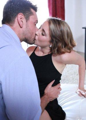 Кинсли Эден совокупляется с нежным мужчиной – красивый секс с прелюдиями  понравится многим - фото 2