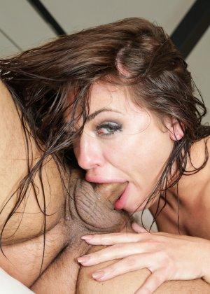 Адрианне Чехик нравится чувствовать хуй внутри рта, задницы или вагины настолько глубоко, насколько позволяе его размер - фото 14