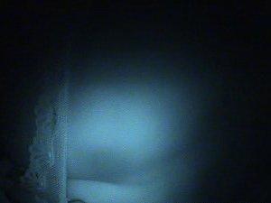 Супруга спит в кружевном белье, но мужику так охота под него заглянуть - фото 3