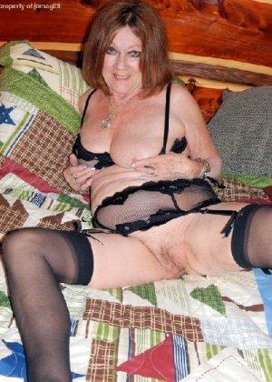 Женщина в возрасте и пышном теле очень хочет секса, поэтому пользуется разными секс-игрушками - фото 15