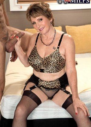 Беа Каммингс любит поскакать верхом на горячем любовнике с твердо стоячим хуем - фото 4