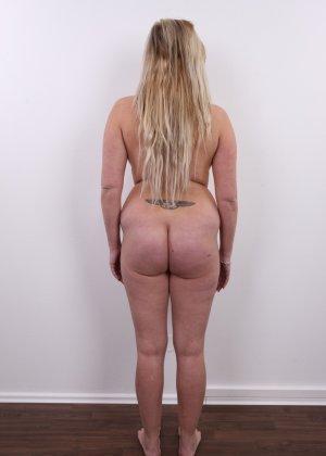 Получить роль в порно эта блонда вряд ли сможет - фото 13