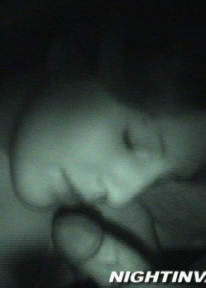 Любитель ночных приключений предпочитает не будить жену для секса - фото 10