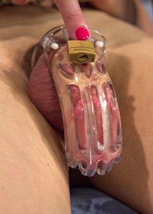 Джейсон Браун, Черри Торн и Микки Маккензи устраивают бисексуальную оргию с жесткими приемами - фото 14