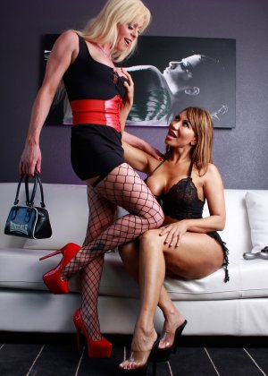 Ава Девинн и Джоанна Джет любят обоюдный анальный трах с длинным дилдо - фото 14