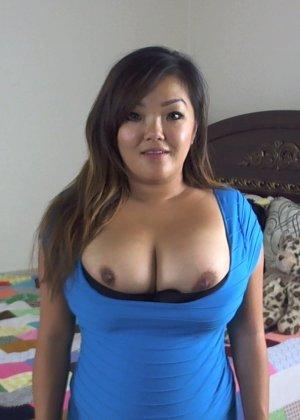 Огромный бюст этой пышной азиатки наверняка придется по вкусу всем любителям больших сисек - фото 12