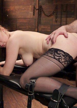 Пенни Пакс становится сексуальной подчиненной развратного мужчины и согласна на всяческие унижения - фото 9