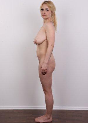 Классные реальные сиськи блонды впечатлили даже организаторов кастинга - фото 12