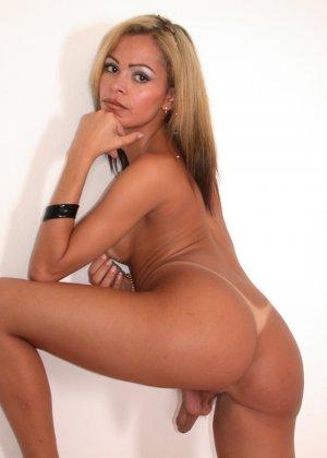 Классные сиськи и стоячие хуи, все, что нужно для бисексуала, который хочет всего и сразу - фото 11