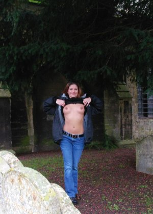 Люцилла хранит большую коллекцию фотографий, на которых она всегда очень сексуальна - фото 18