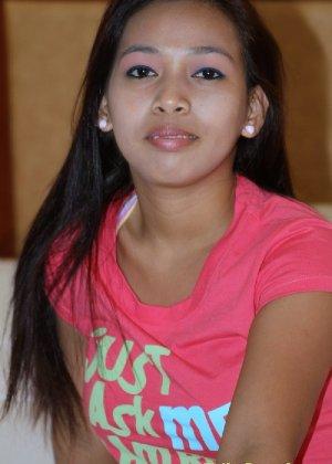 Молодая филиппинка показывает свое молодое тело, не стесняясь оголять даже самые откровенные зоны - фото 5