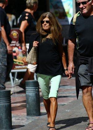 Зрелые женщины показывают, что они следят за модой и знают, как выглядеть эффектно всегда - фото 22