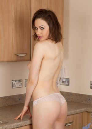 У Тины Кей возникла прекрасная мысль возбудить мужа на кухне, ведь они еще такого не практиковали - фото 6